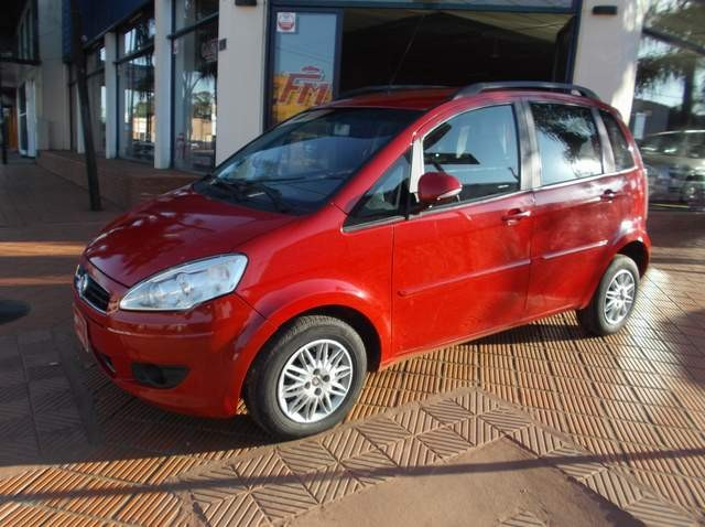 Fiat idea attractive rojo 2013 for Precio fiat idea attractive 2013